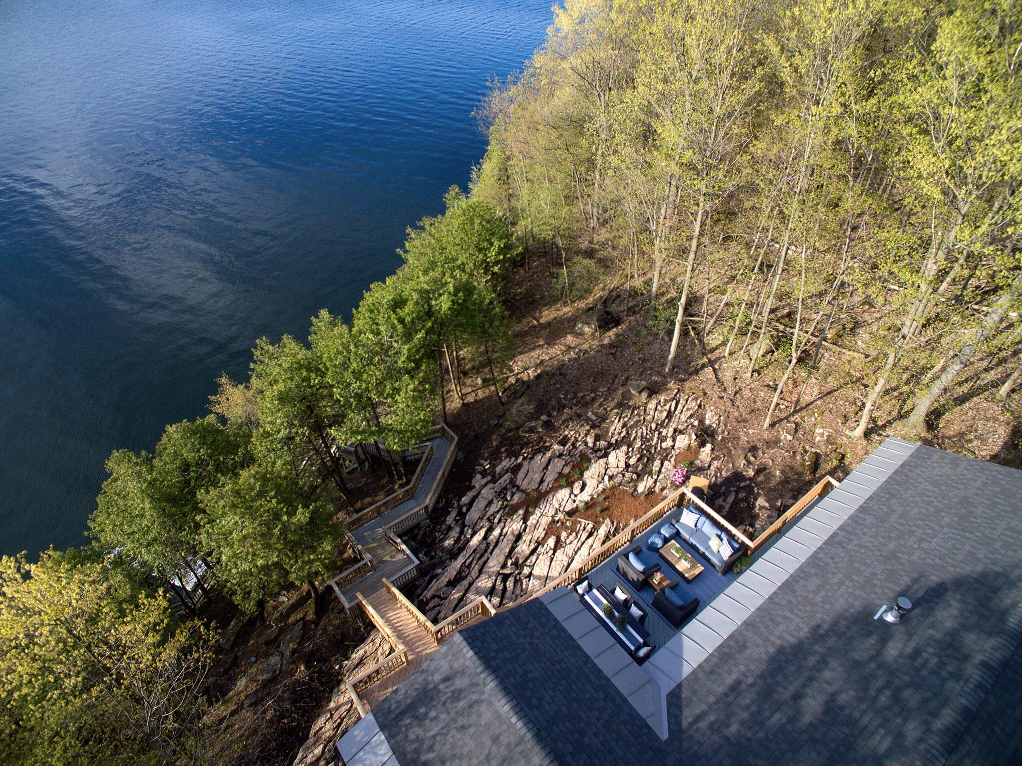 загородный дом лес озеро лестница спуск