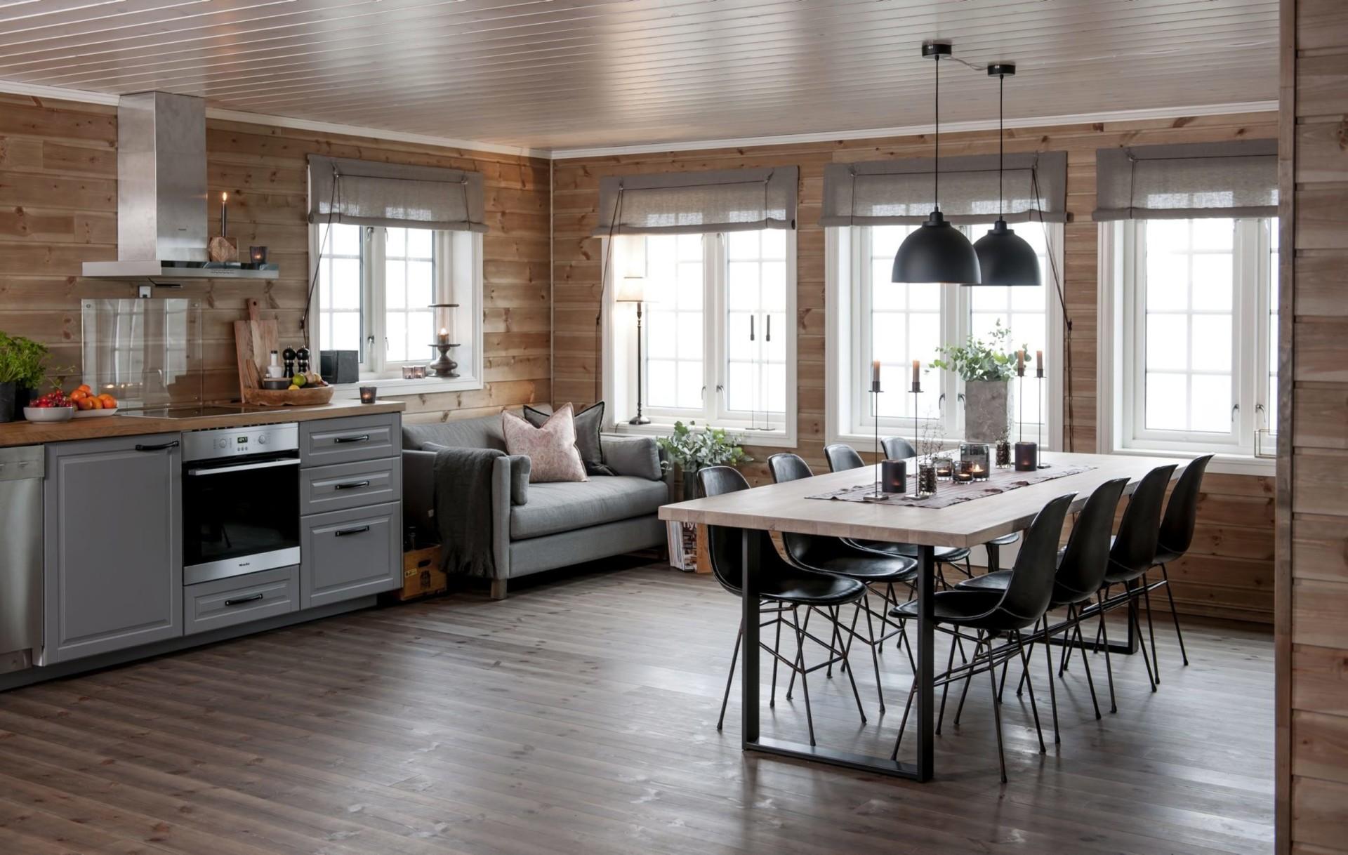 гостиная кухня стол стулья лампы окна