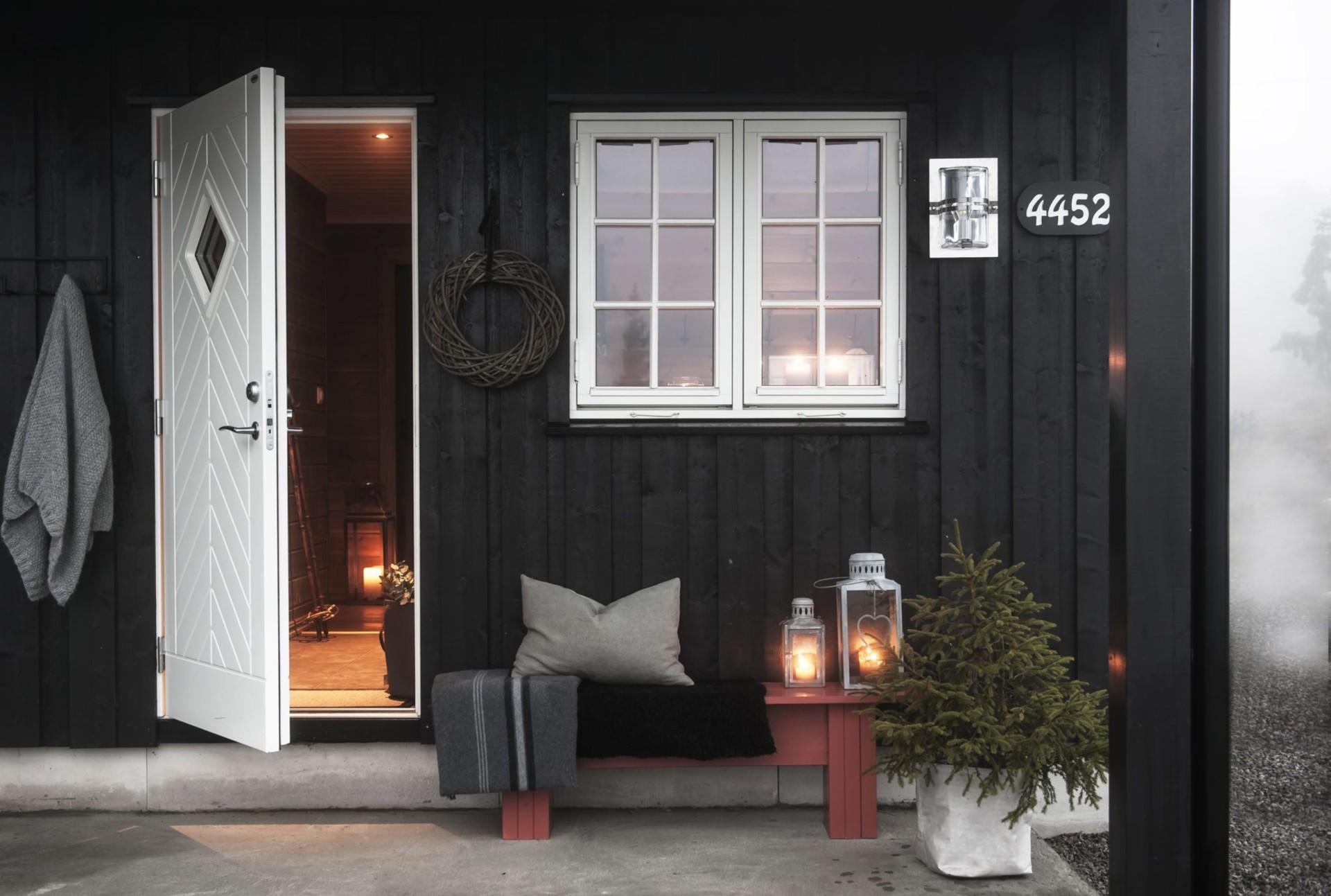 загородный дом окно терраса входная дверь