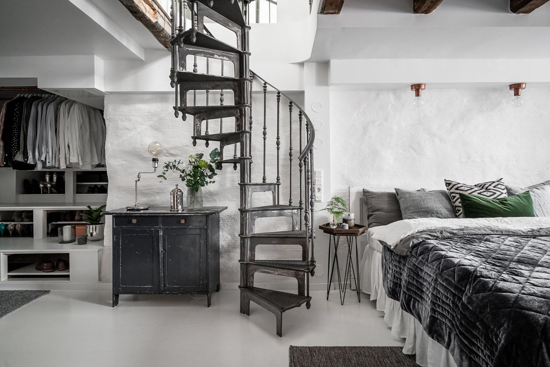 лестница комод кровать
