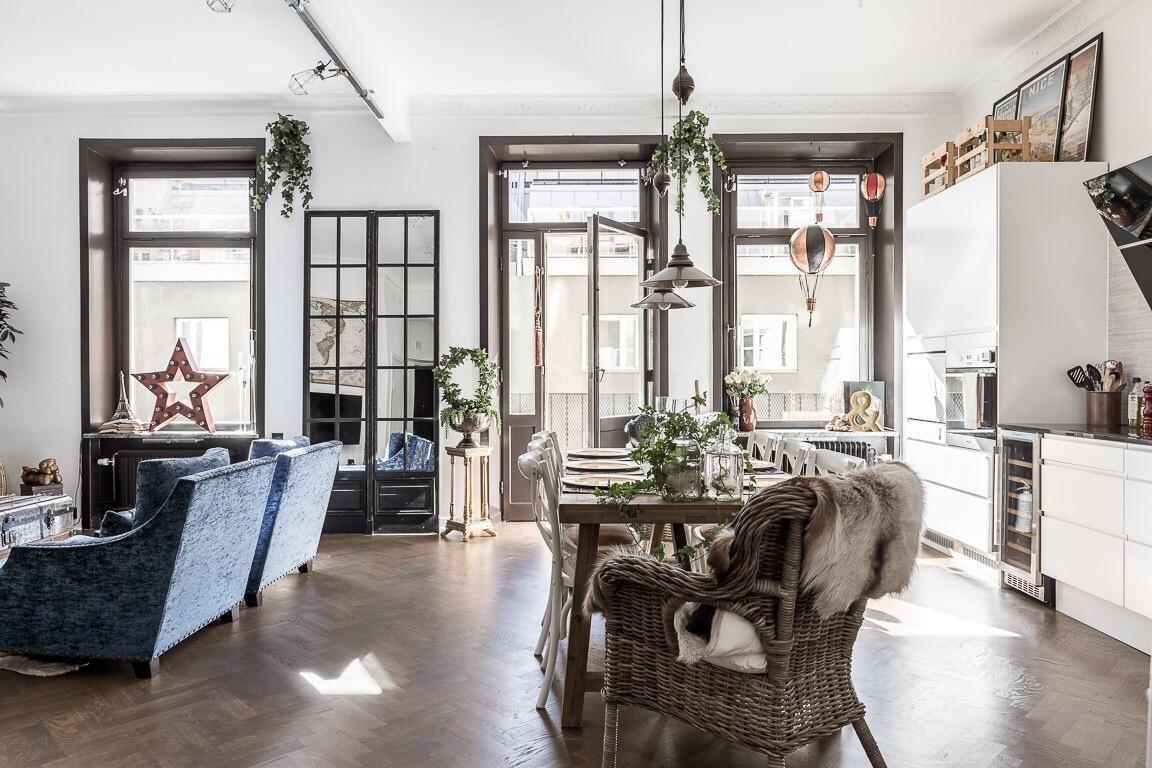 гостиная кухня стол французские окна