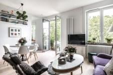 кухня гостиная телевизор обеденный стол стулья