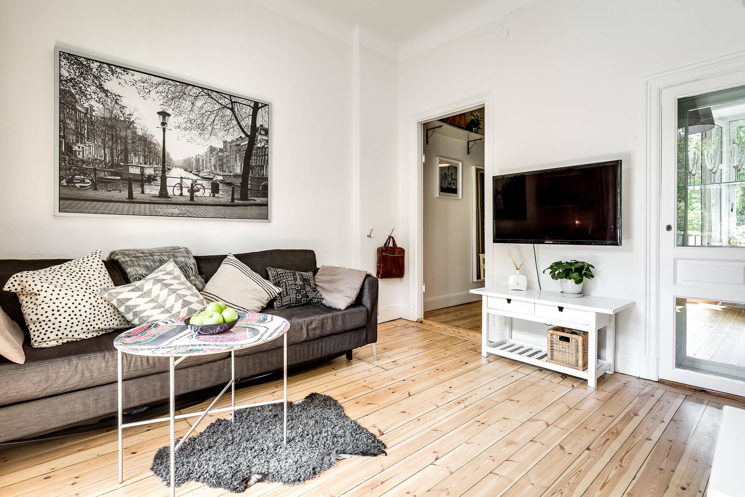 гостиная диван телевизор