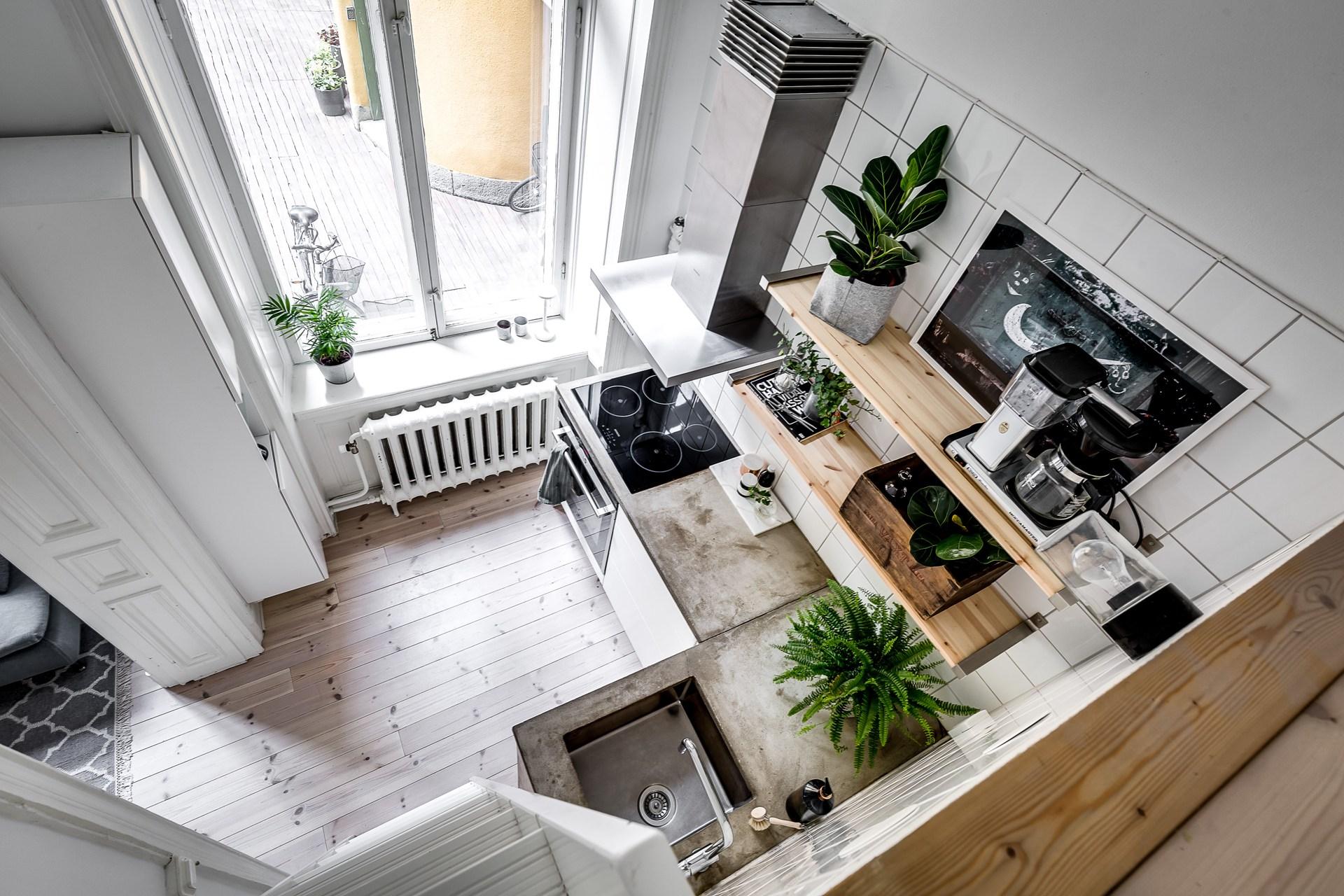 кухня высокий потолок антресоли
