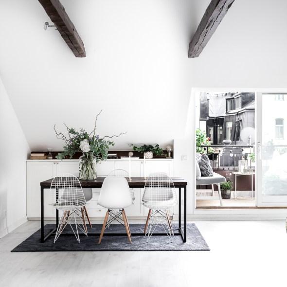 стол стулья балкон