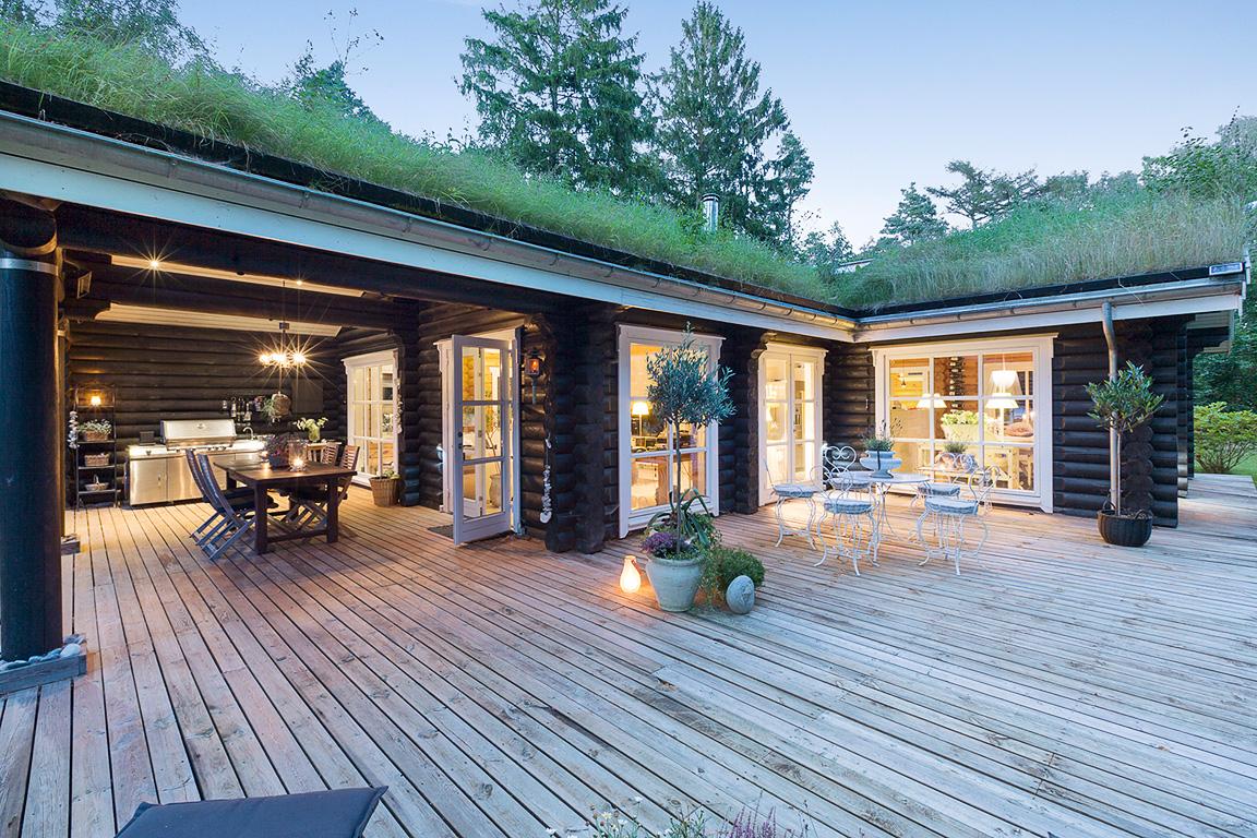 загородный дом терраса деревянный настил