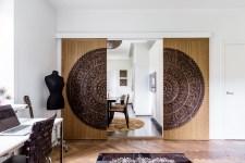 спальня раздвижные двери панно манекен рабочий стол гитара паркет