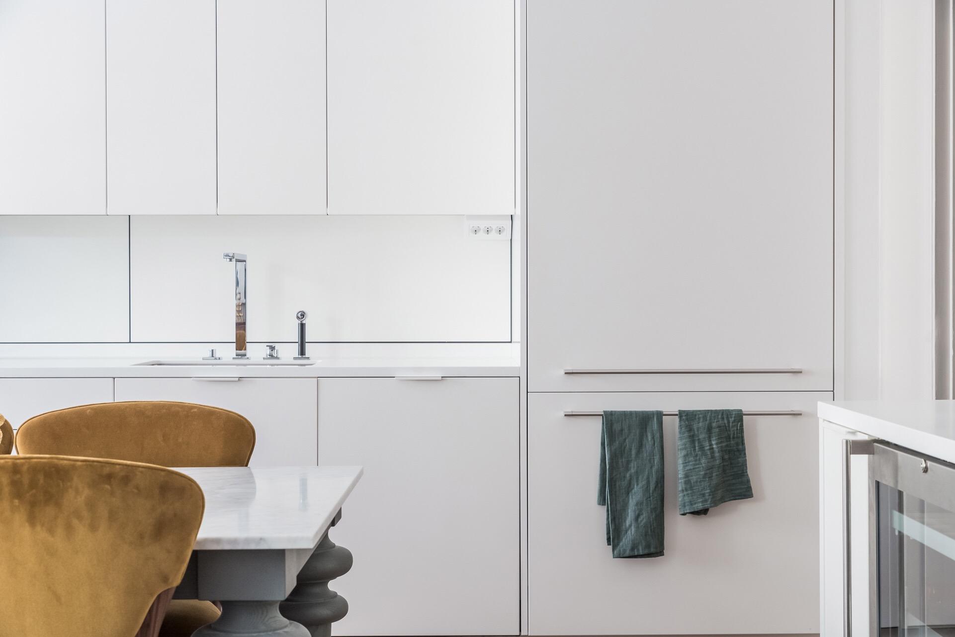кухня белые фасады