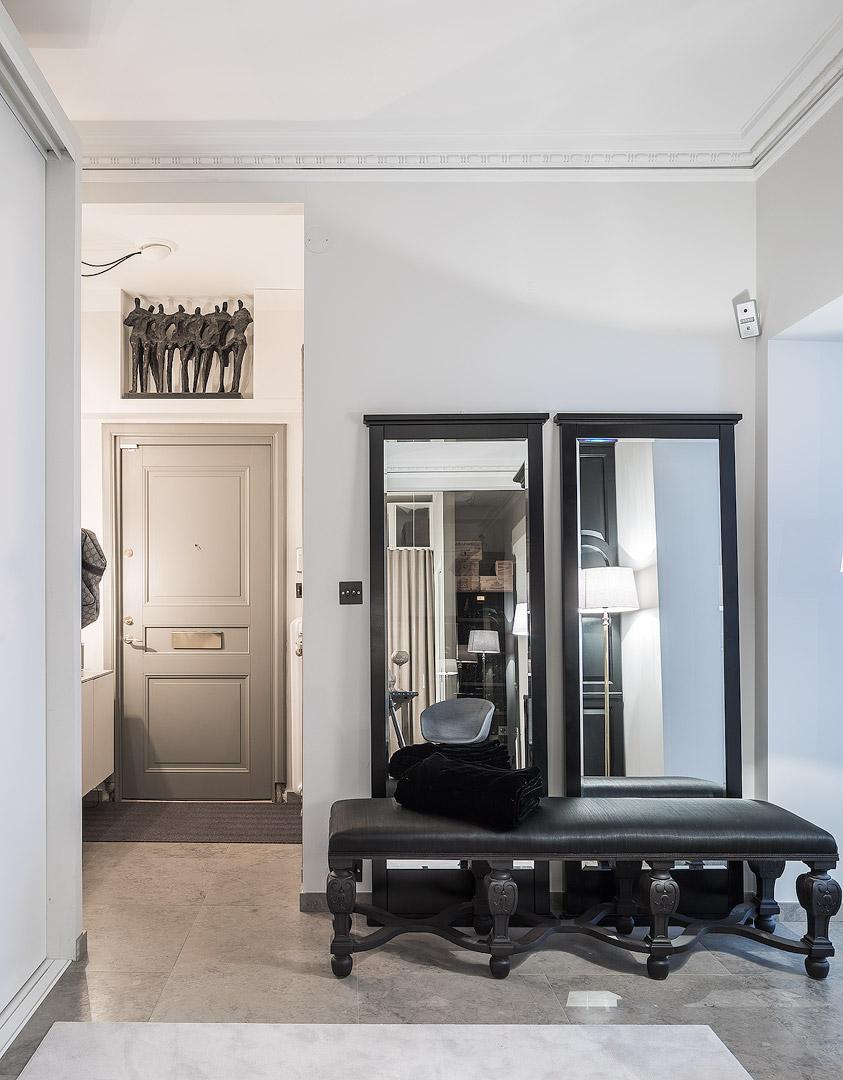 банкетка зеркало коридор