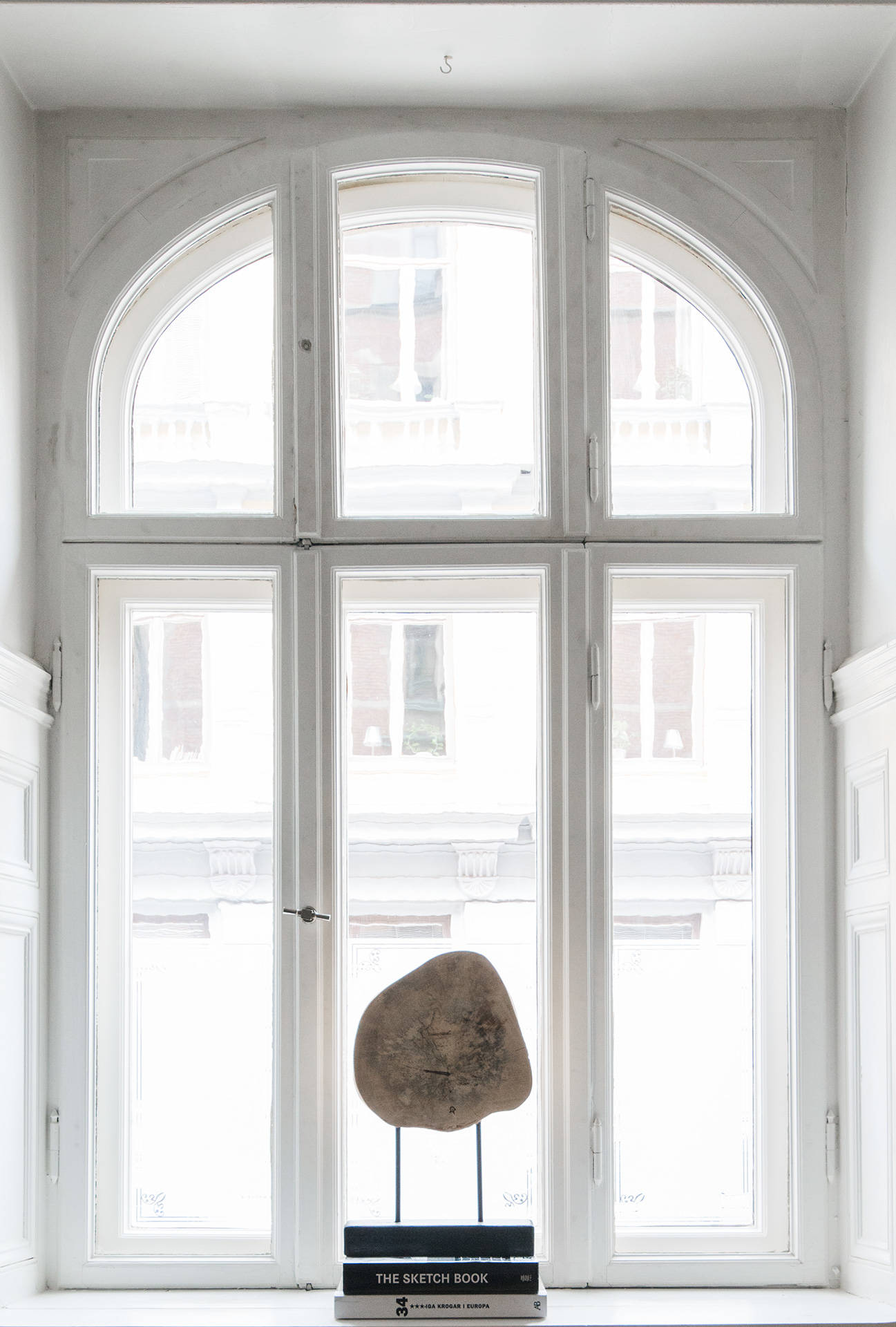 окно откосы подоконник