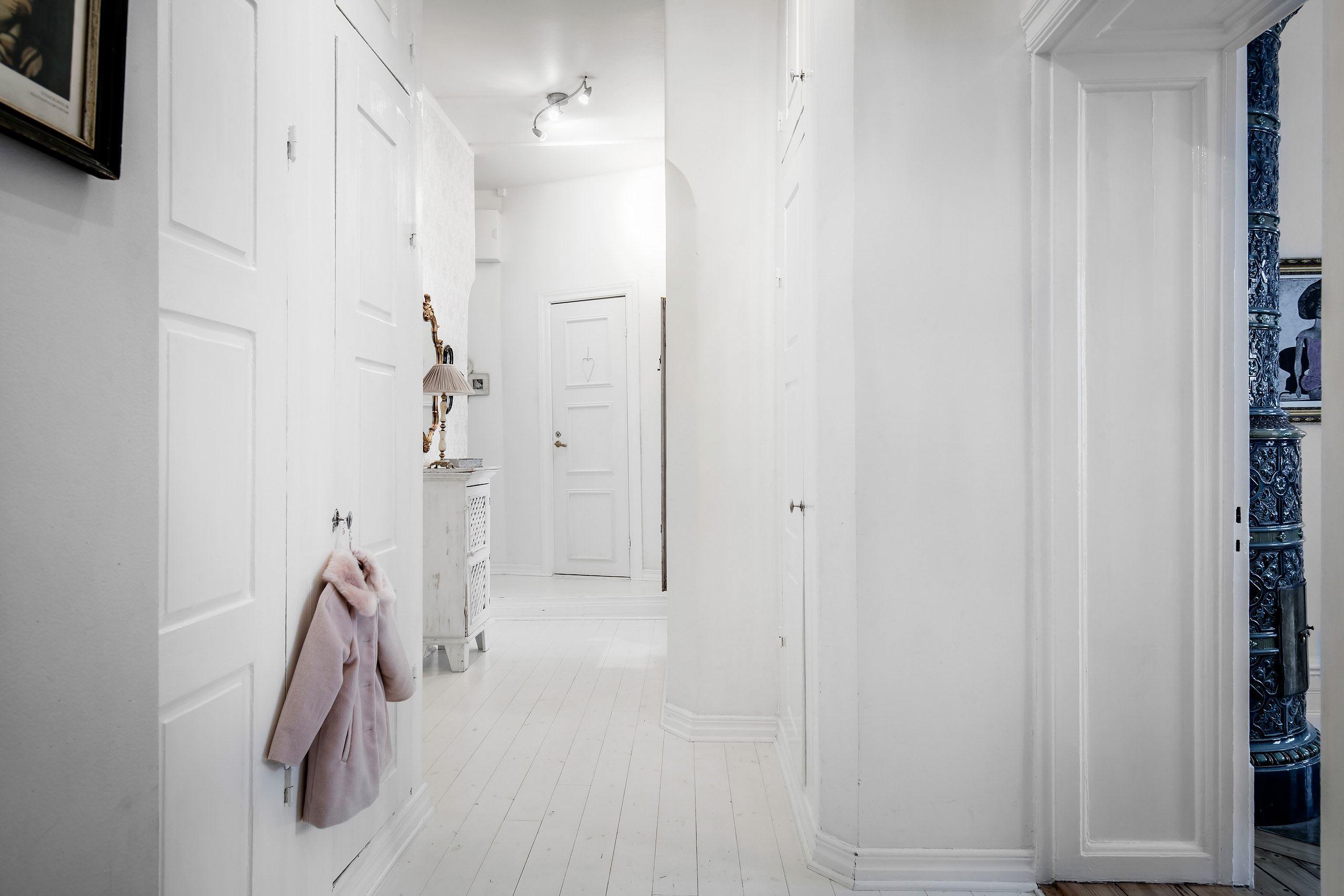 коридор проем двери половая доска
