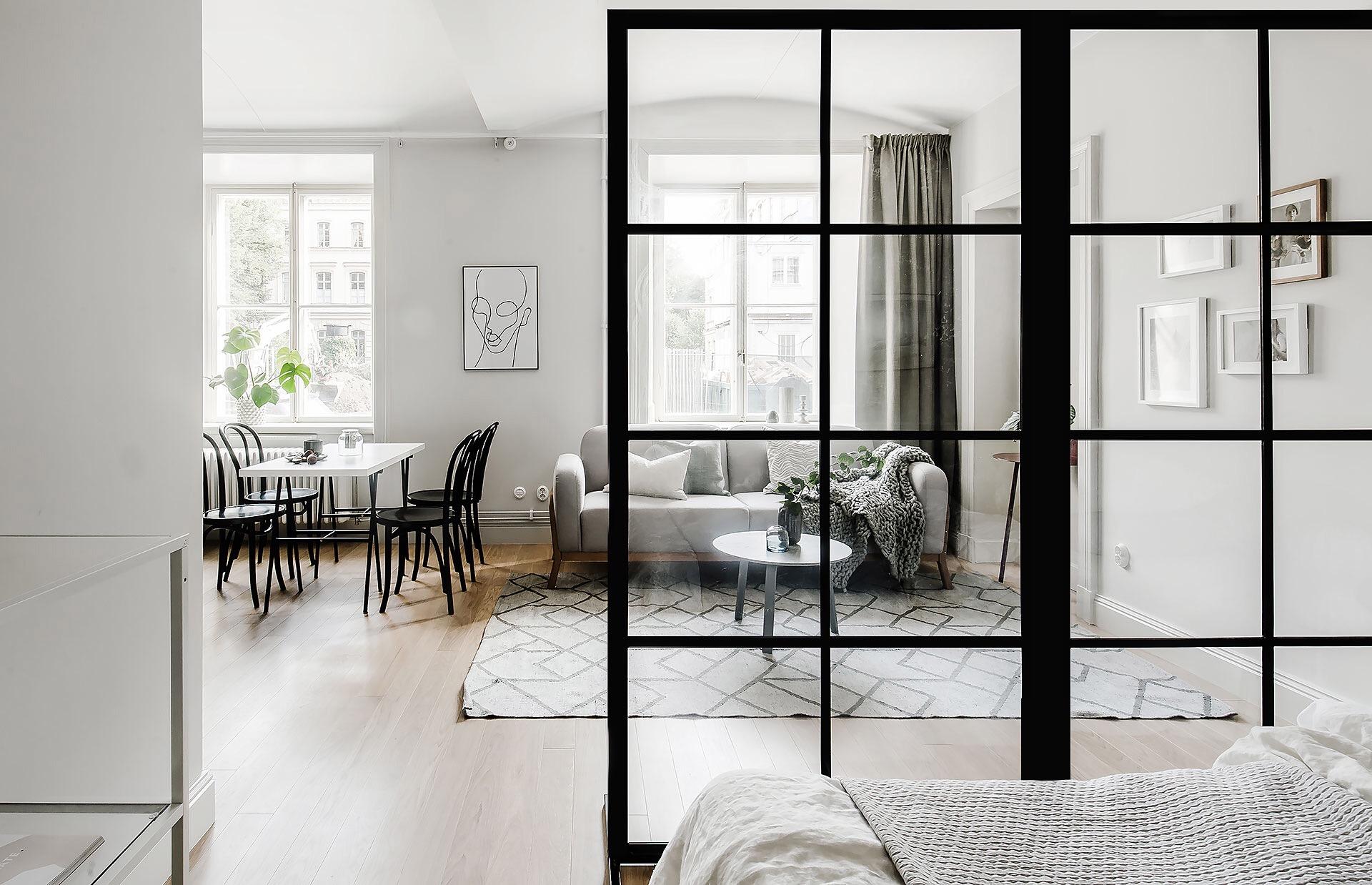 сварная стеклянная перегородка гостиная спальня кровать