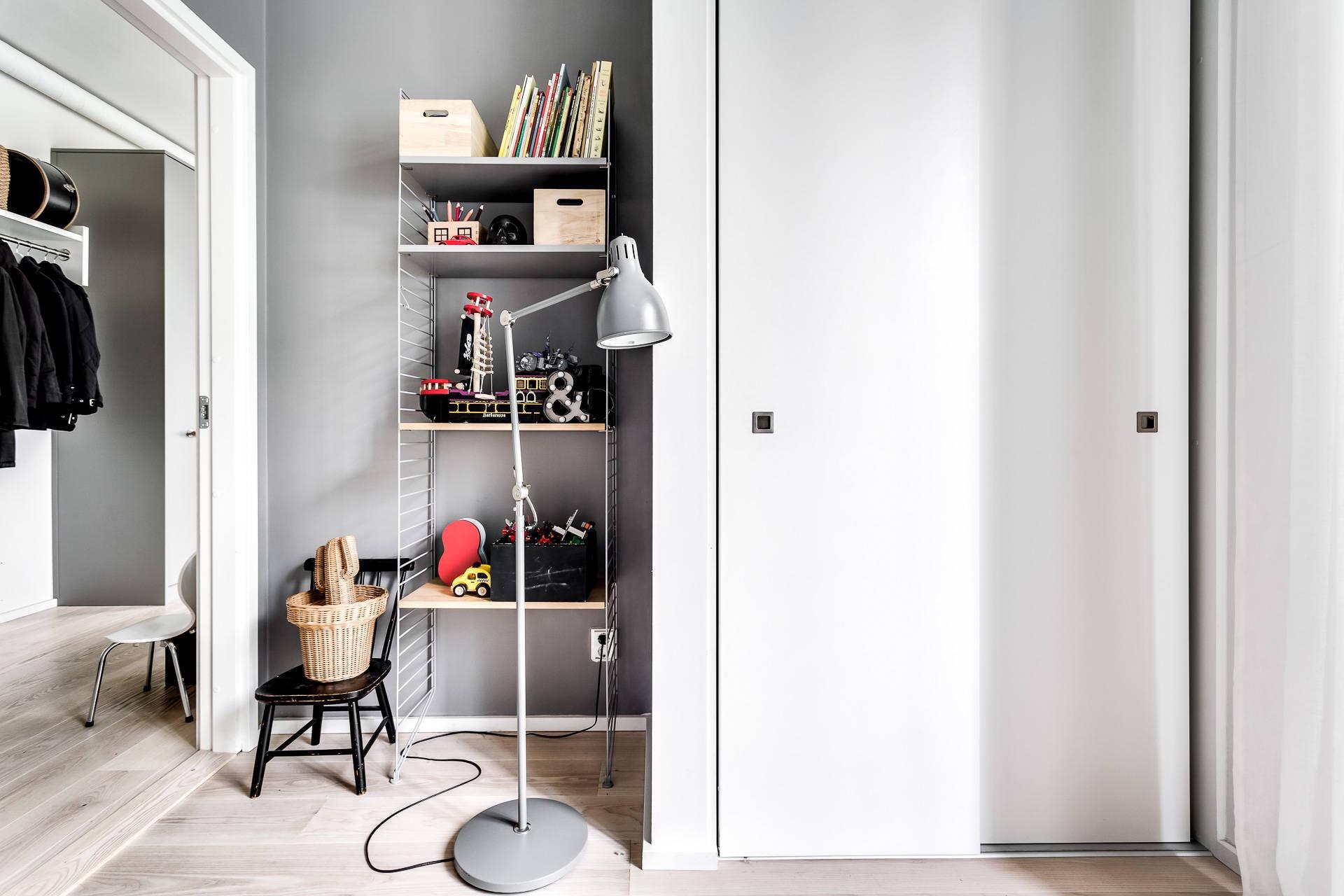 детская комната стеллаж шкаф