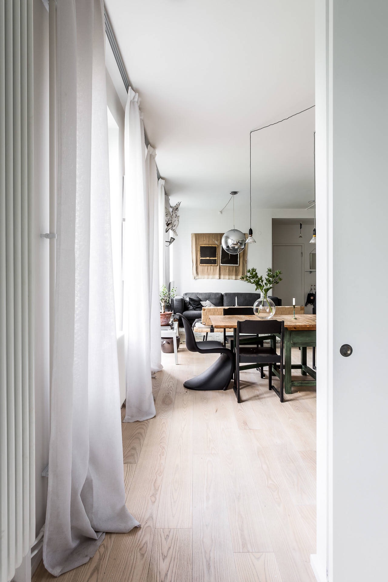 гостиная кухня столовая окна шторы