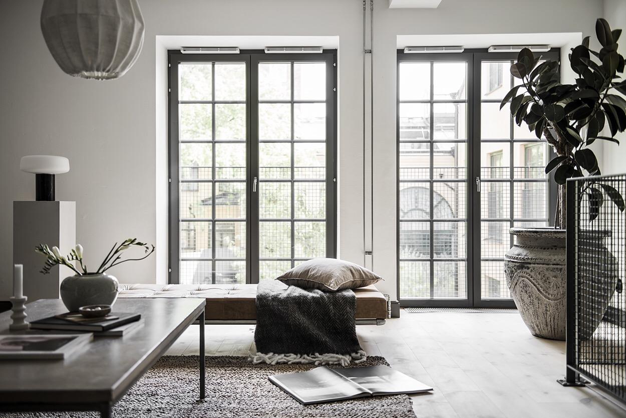 гостиная французские окна сварные стеклянные двери