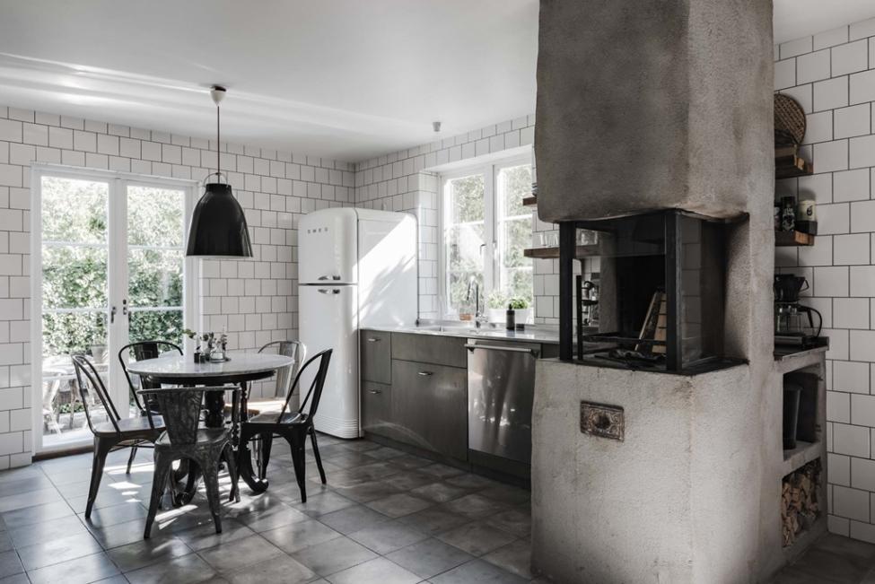 кухня печь стол холодильник