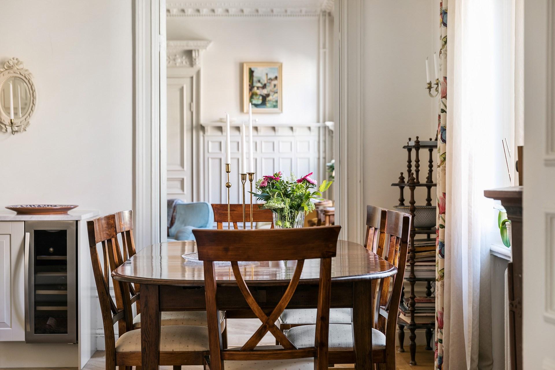 обеденный стол стулья