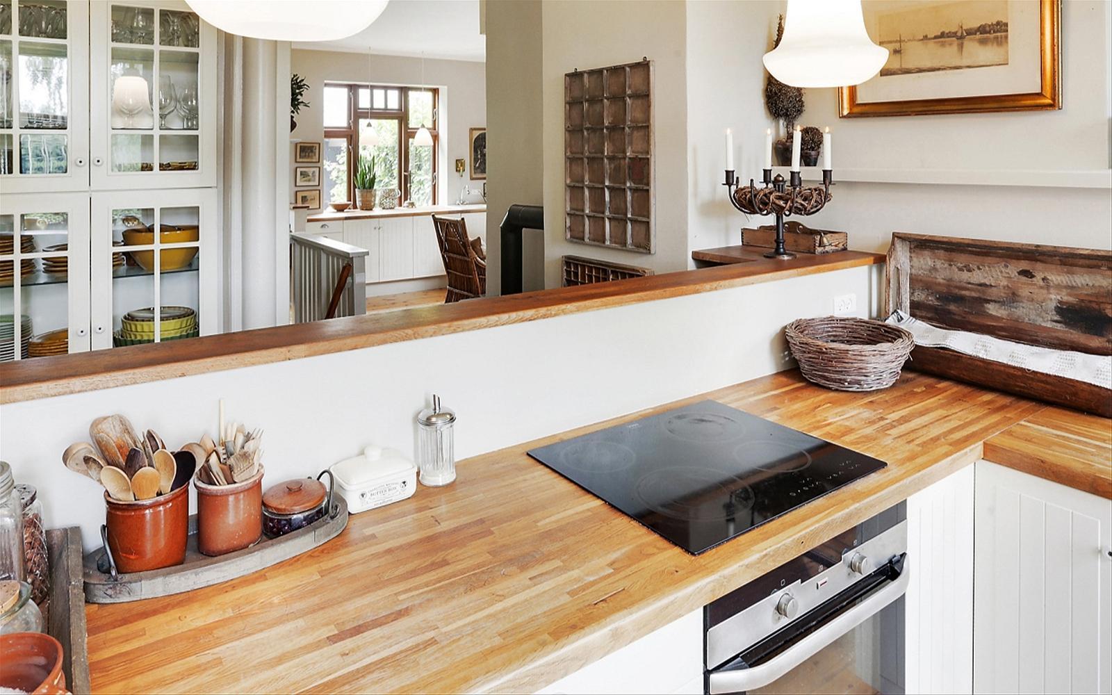 кухонный остров деревянная столешница варочная панель духовка