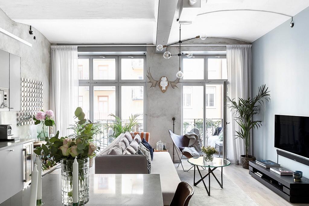 гостиная кухня панорамное окно балкон