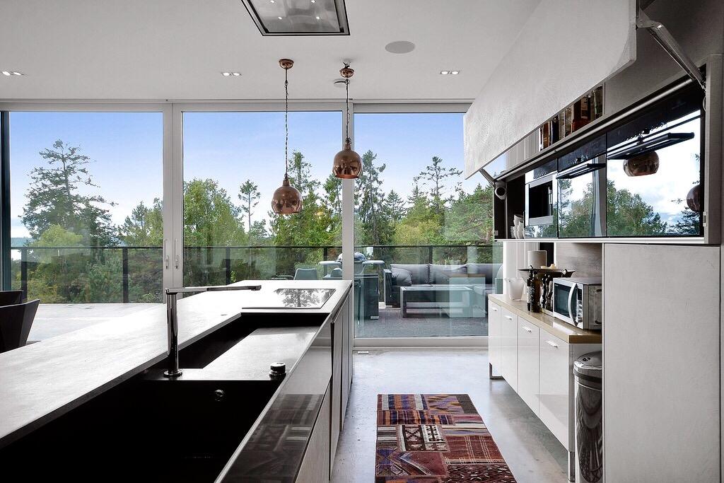 кухня кухонный остров столешница мойка смеситель варочная панель