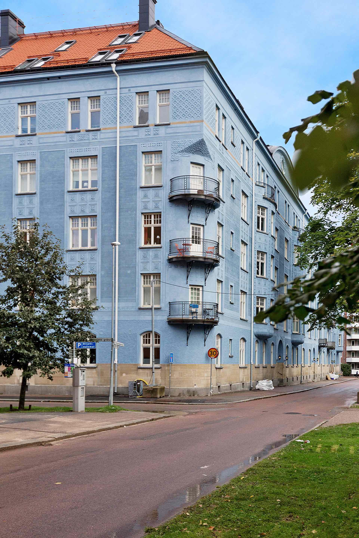 голубой фасад кровля мансарда