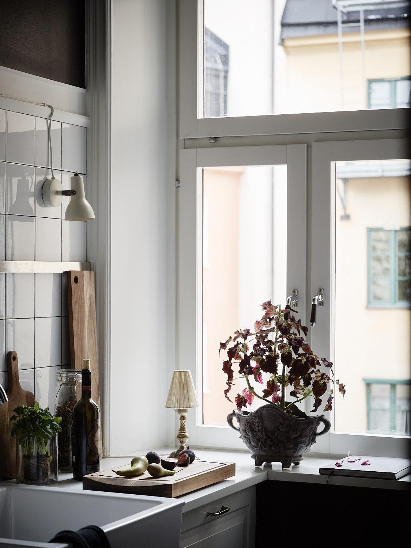 кухня окно подоконник