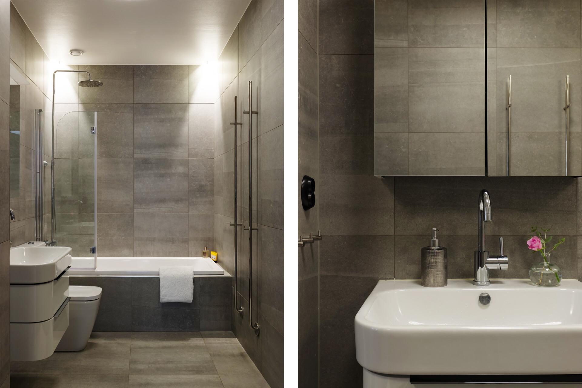 ванная комната ванна душ раковина смеситель зеркальный шкафчик плитка