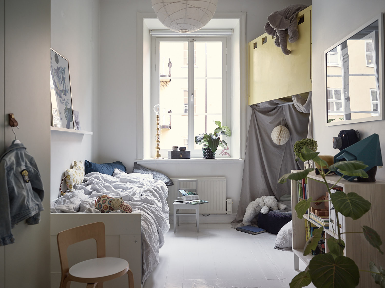 детская комната домик чердак игрушки кровать окно