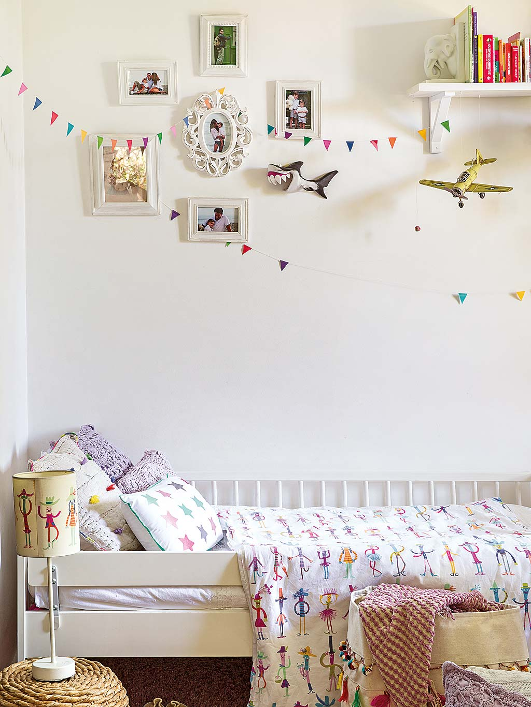 детская комната кровать текстиль рамки