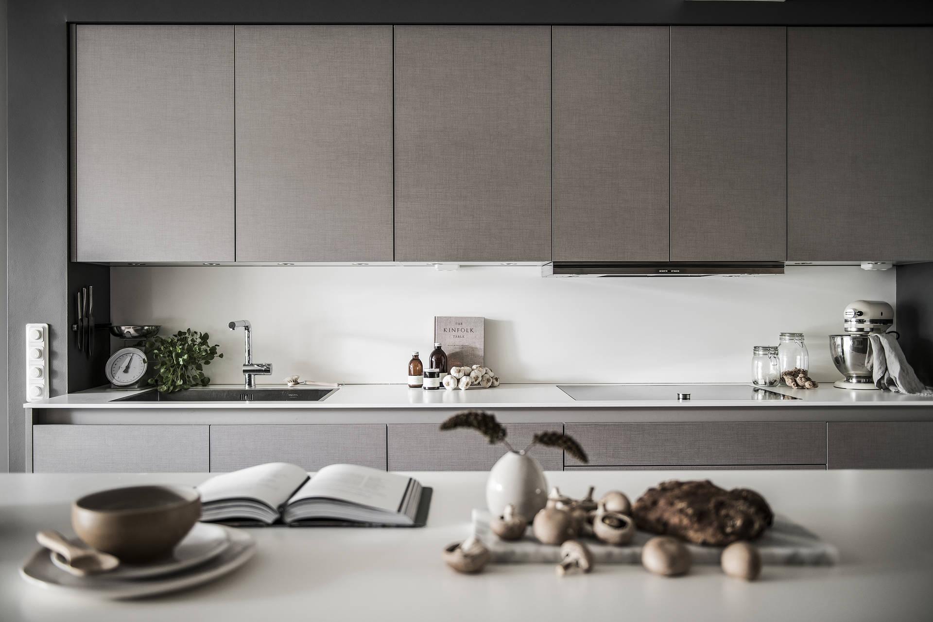 кухонная мебель Binova столешница мойка смеситель варочная панель встроенная вытяжка