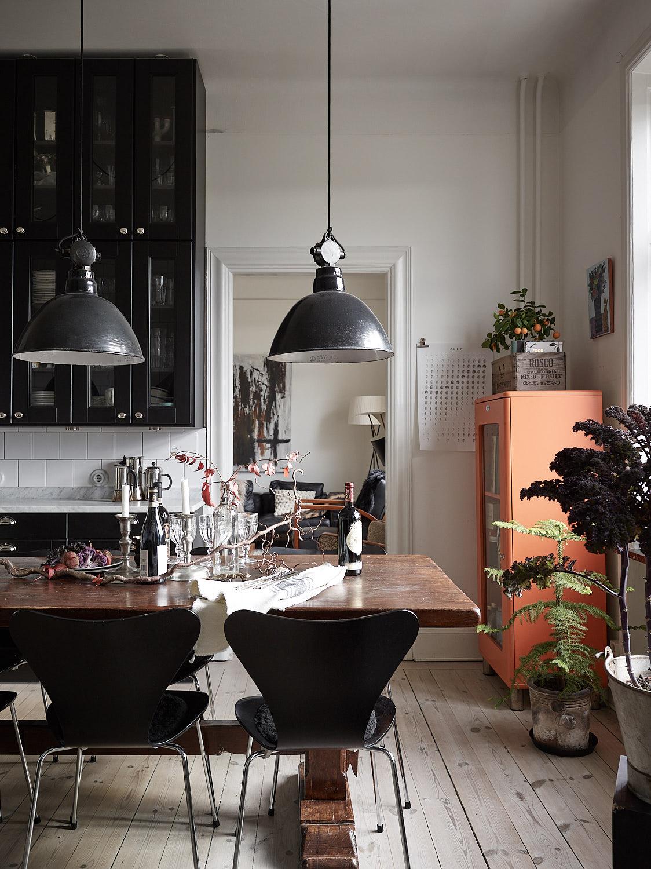 кухня кухонный стол деревянный пол