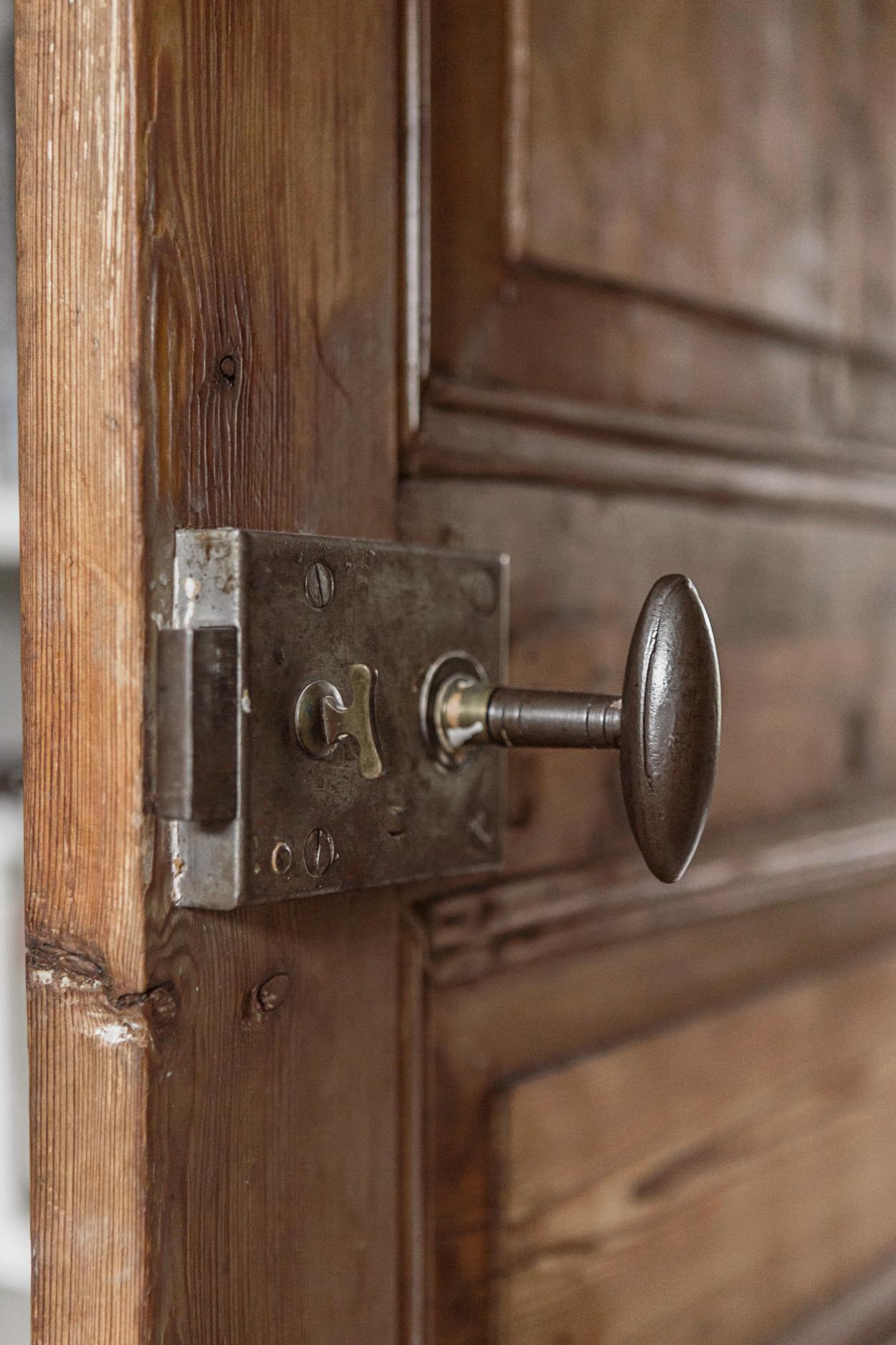 дверь филёнка дверная ручка замок