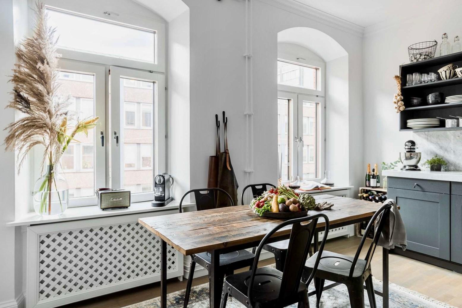 кухня столовая окно