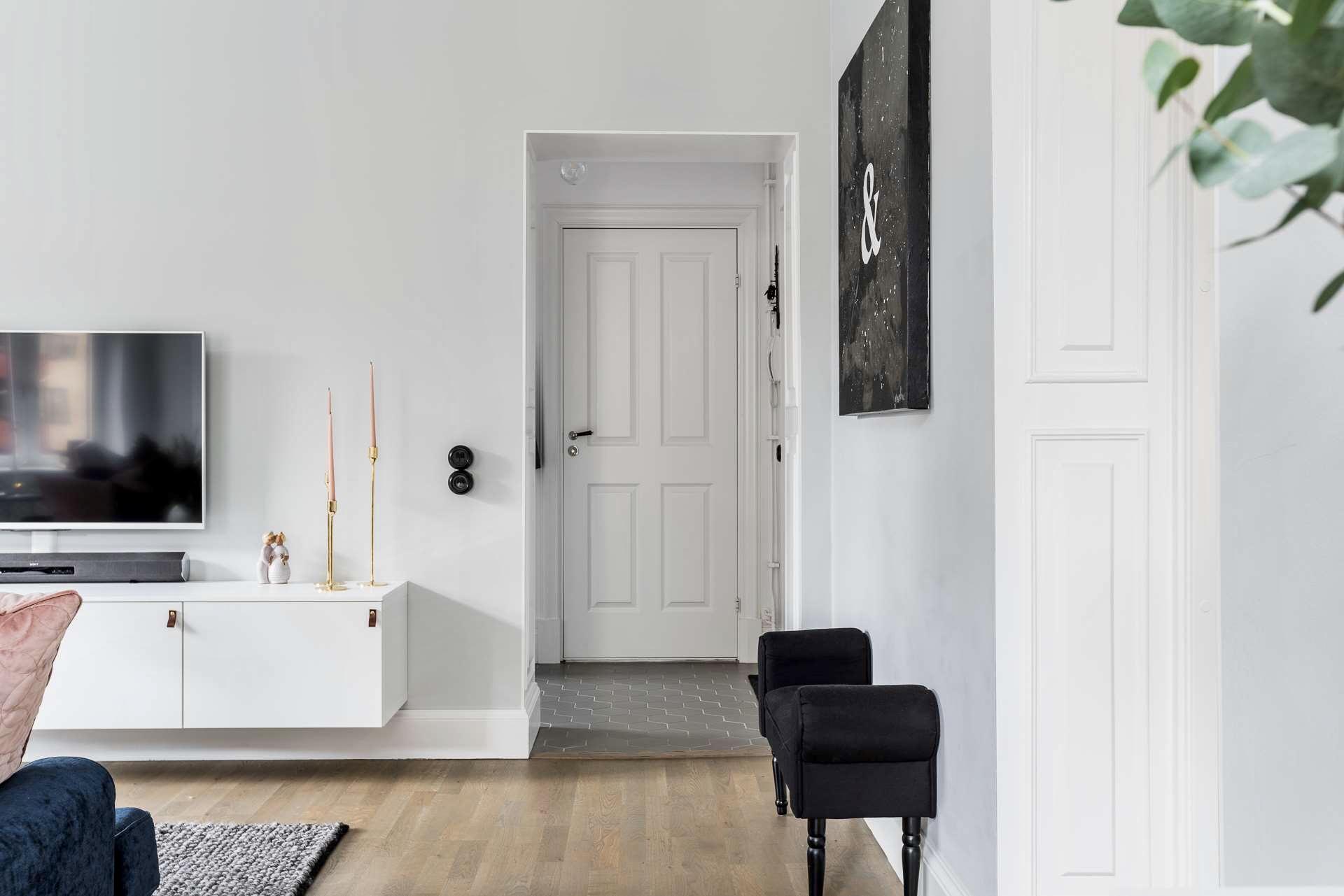 гостиная коридор входная дверь