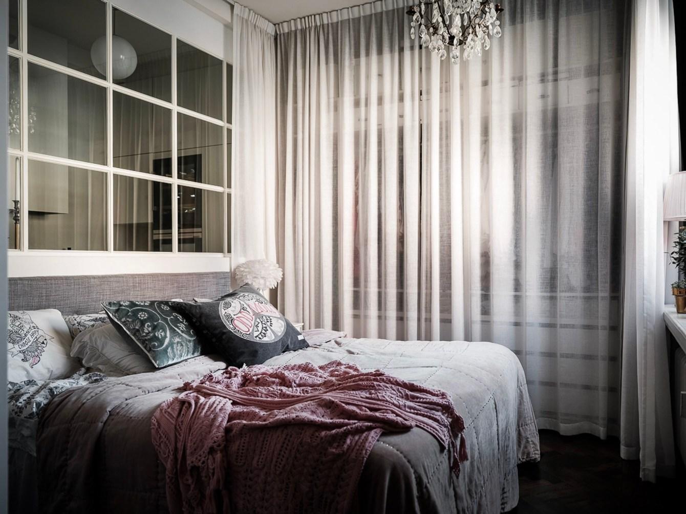 спальня шкаф с занавесом