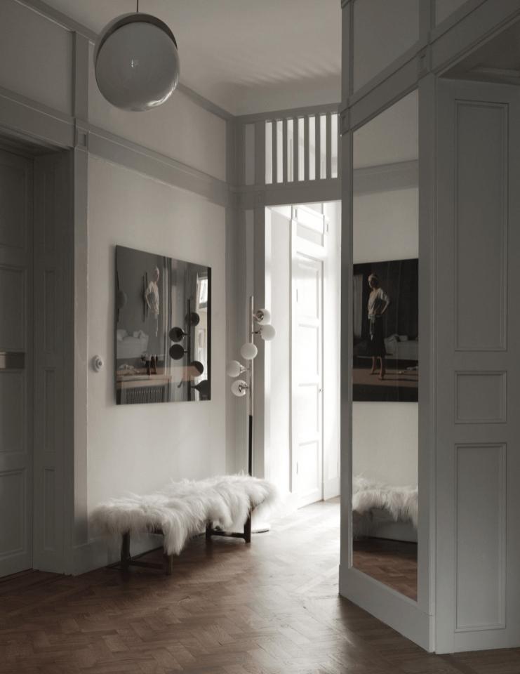 коридор прихожая фрамуга зеркало скамья