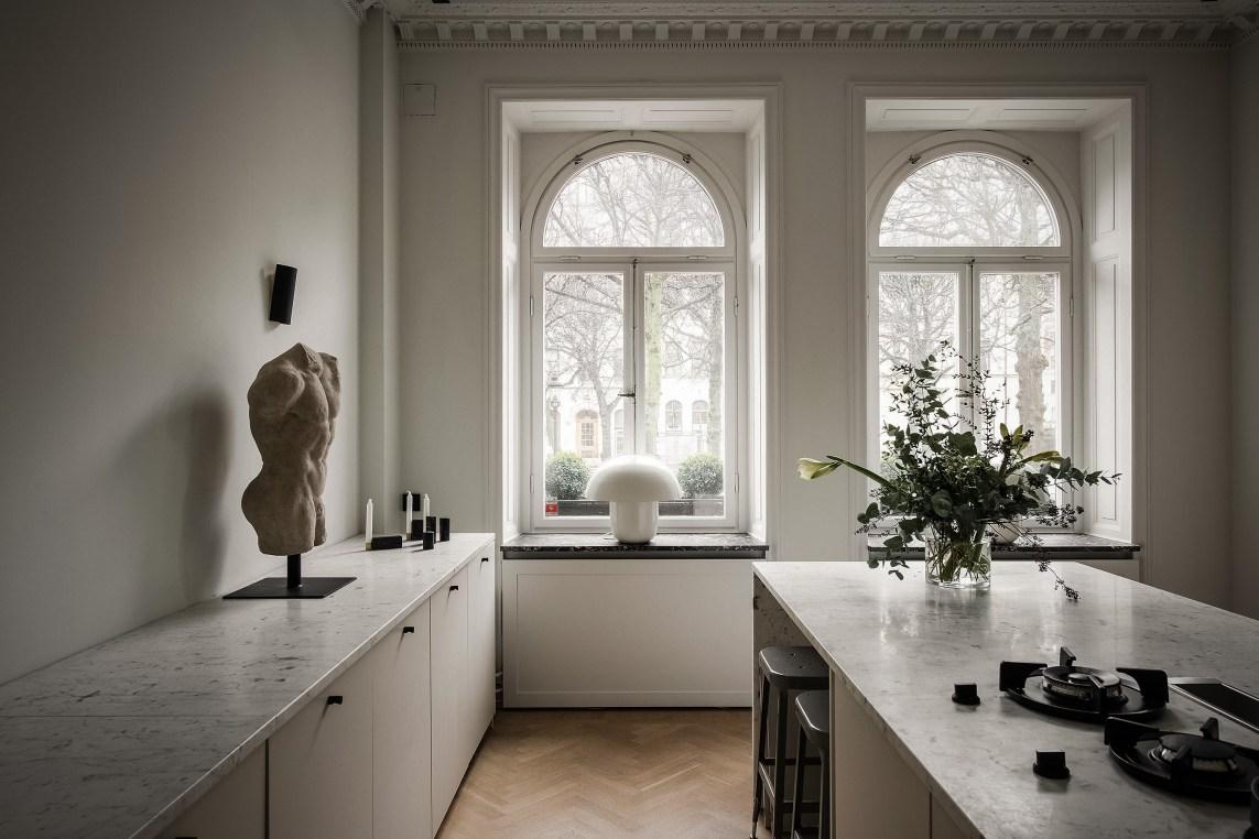 кухня арочное окно