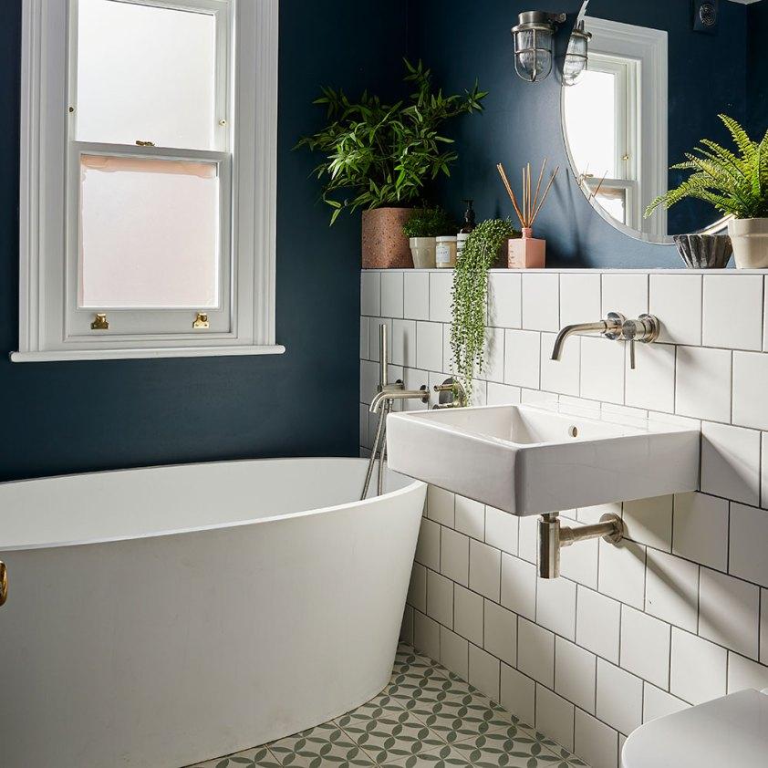ванна раковина окно