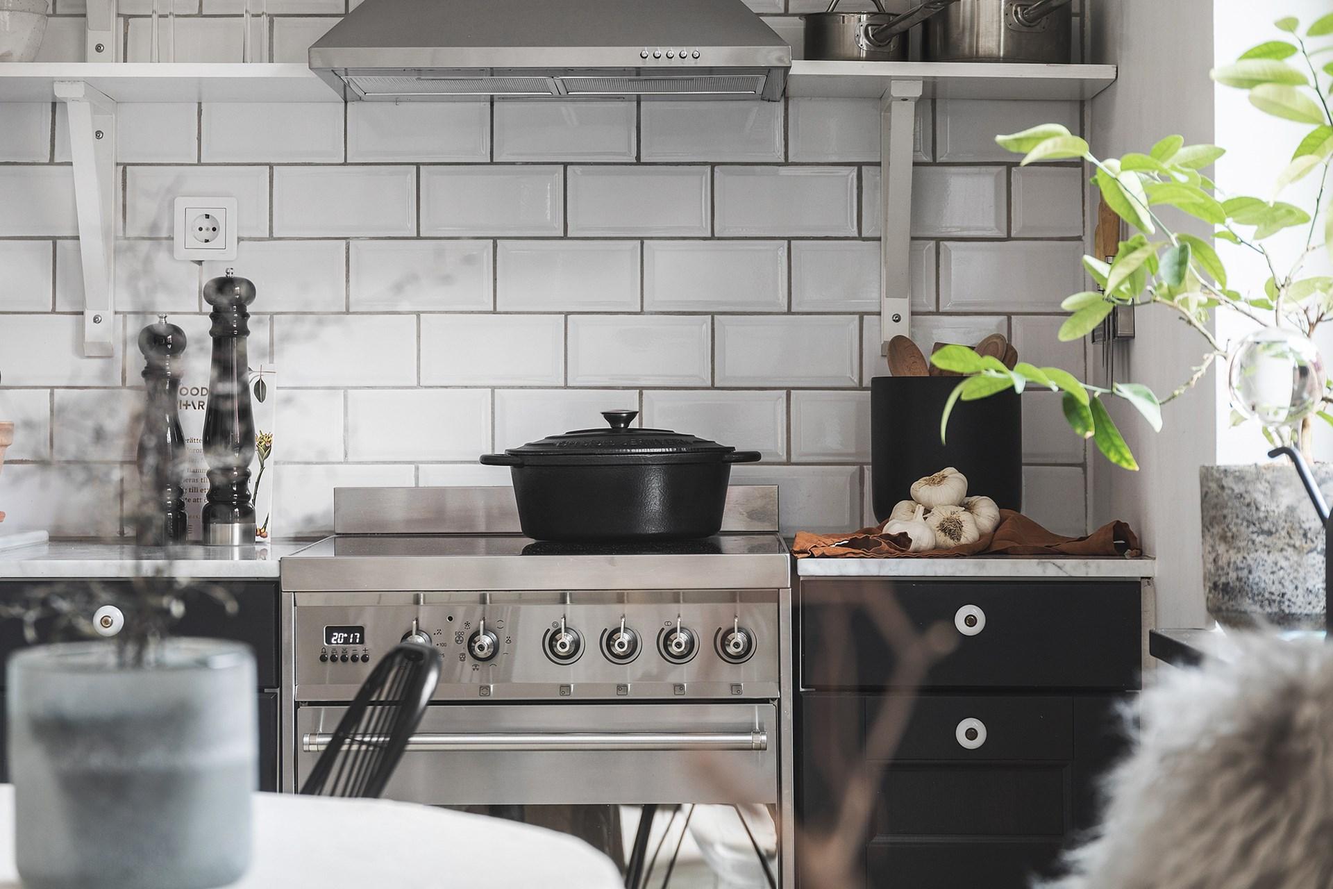 квартира 40 квм кухонная мебель плита