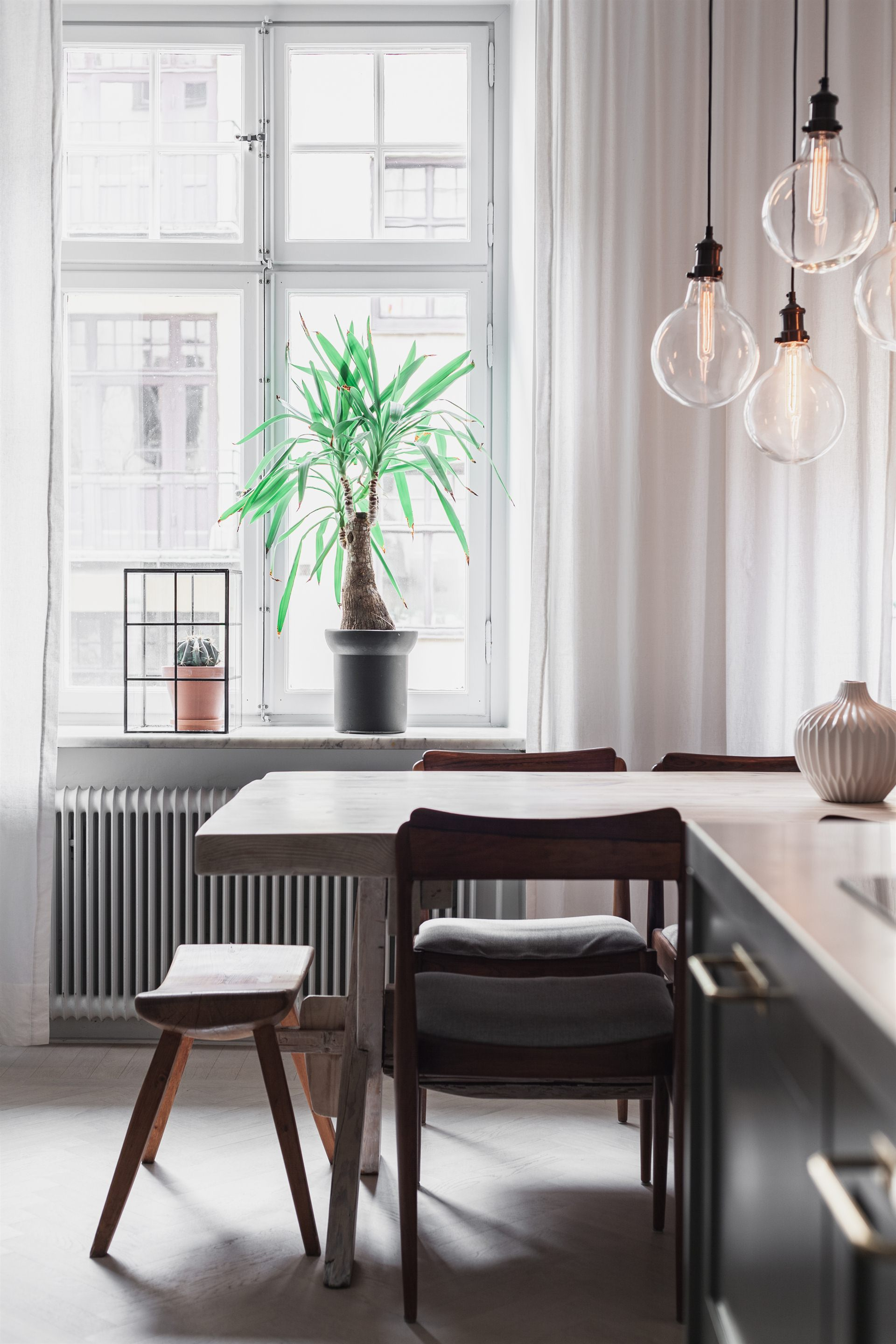 квартира 67 квм кухонный остров стол окно