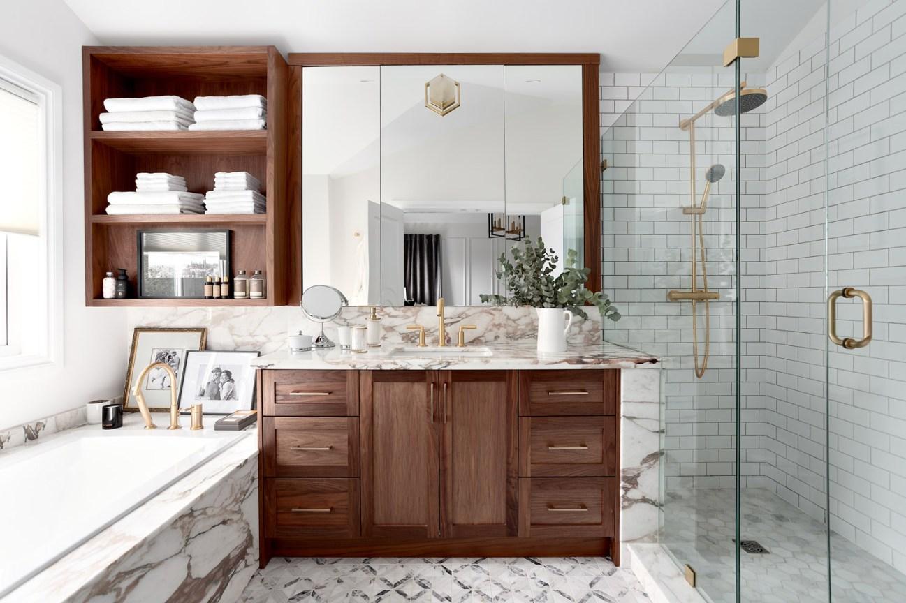 таунхаус в канаде ванная комната мебель зеркало