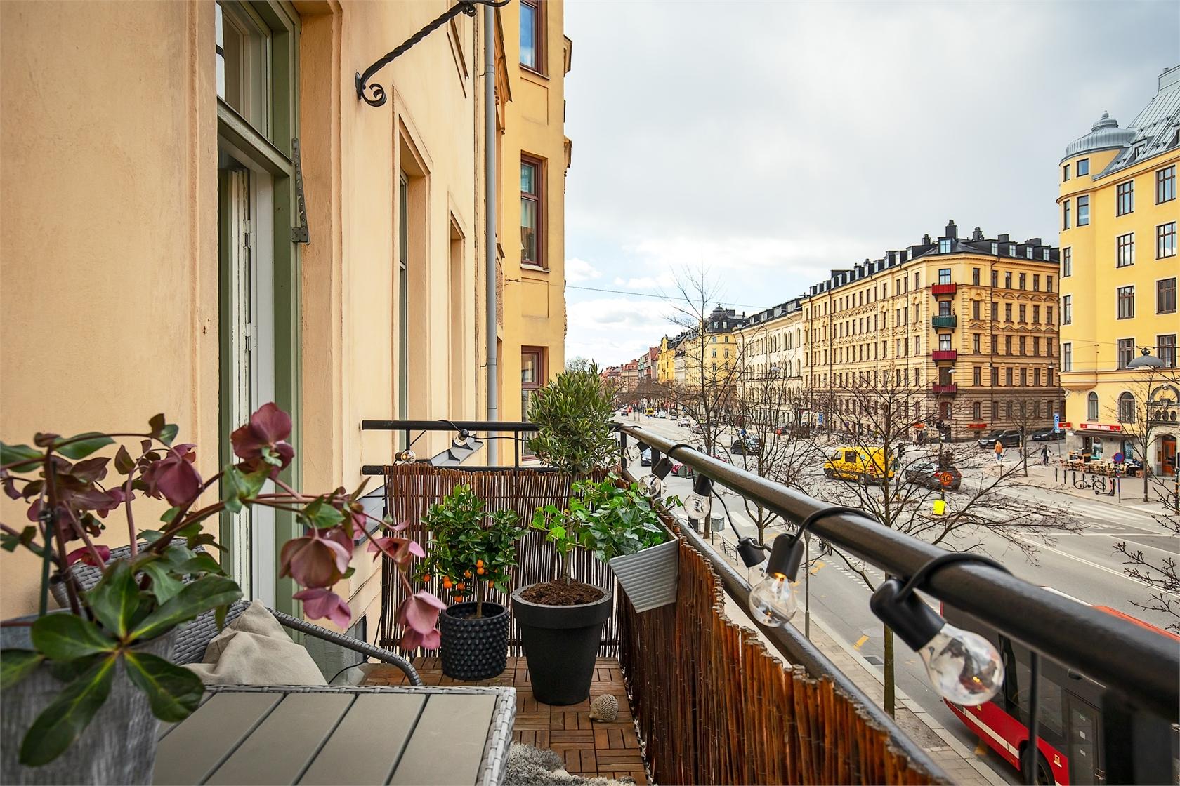 28606 balcony