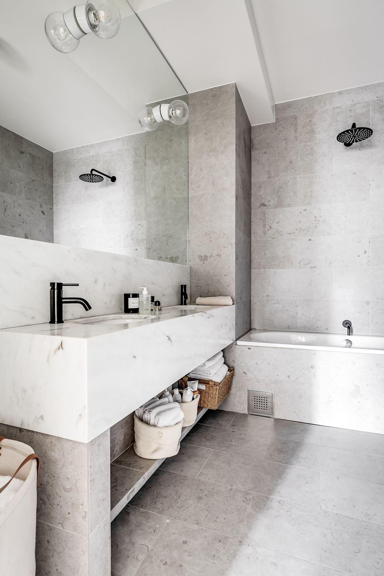 bathroom sink shelf mirror