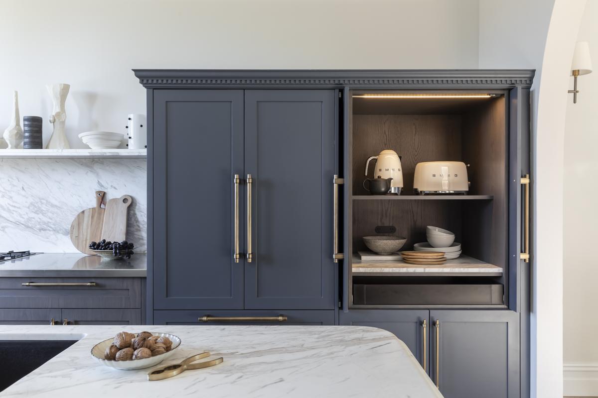 Дом в Австралии кухонная мебель посуда хранение