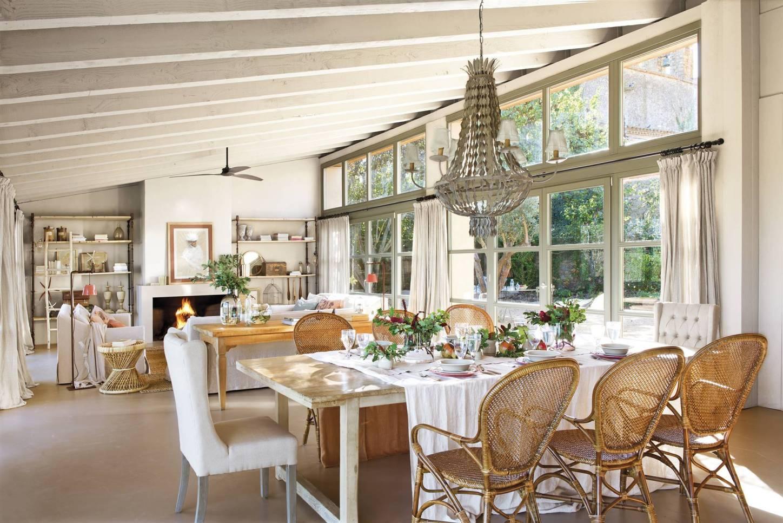 Дом в Испании обеденный стол