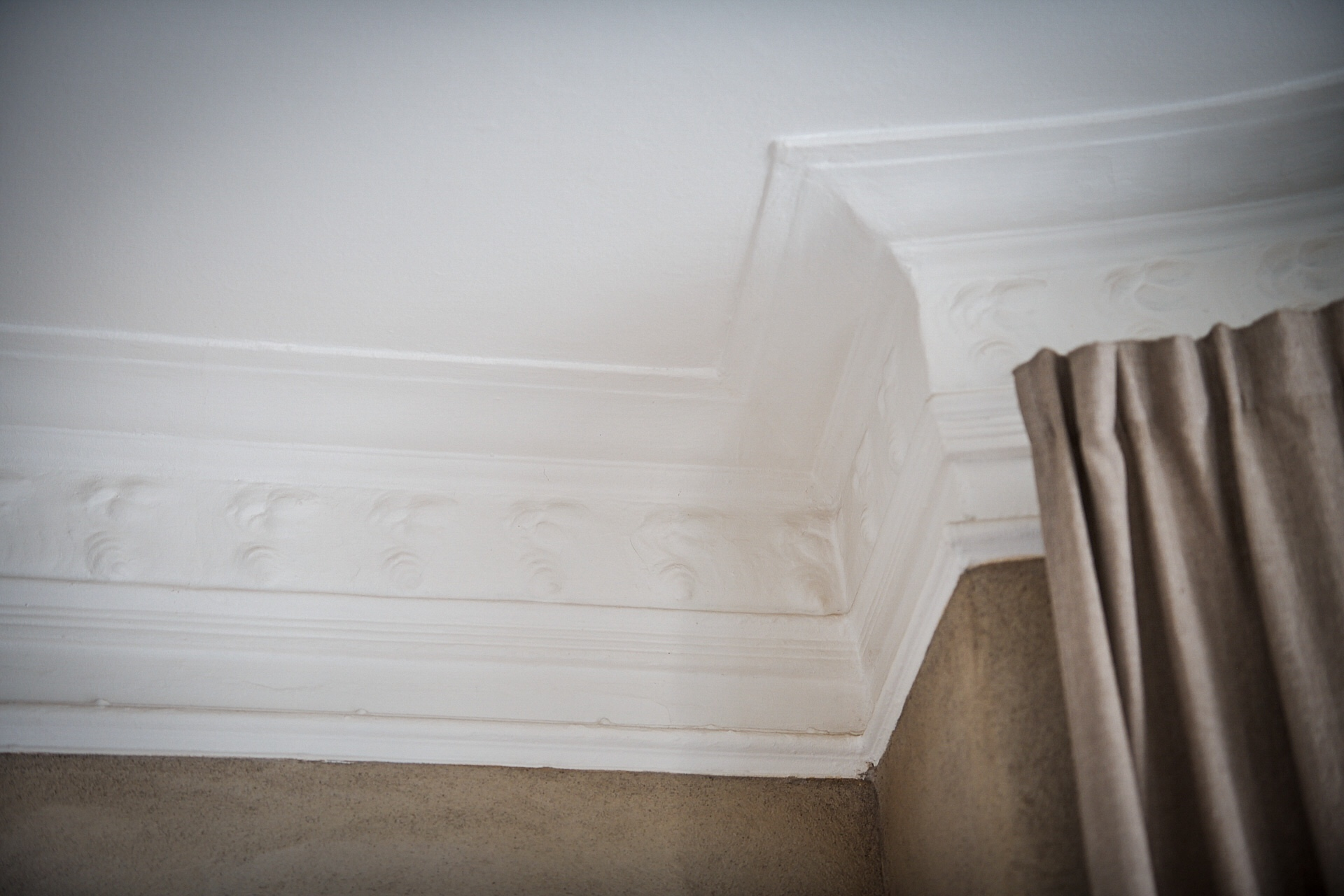 ceiling crown molding
