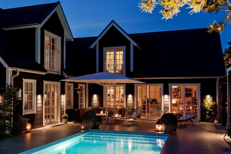 house facade lighting