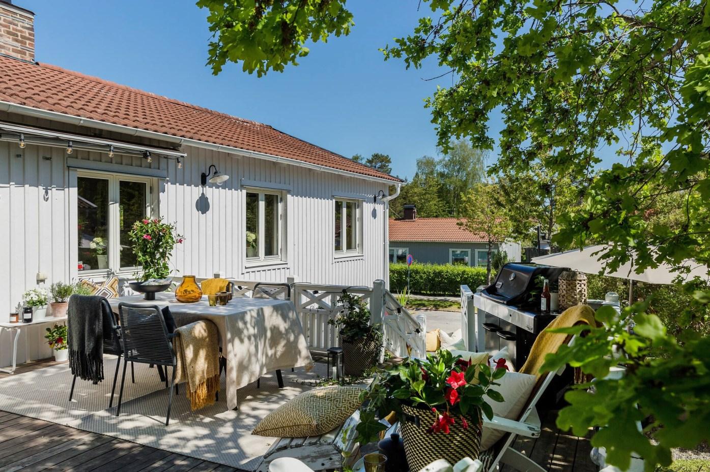 house terrace table