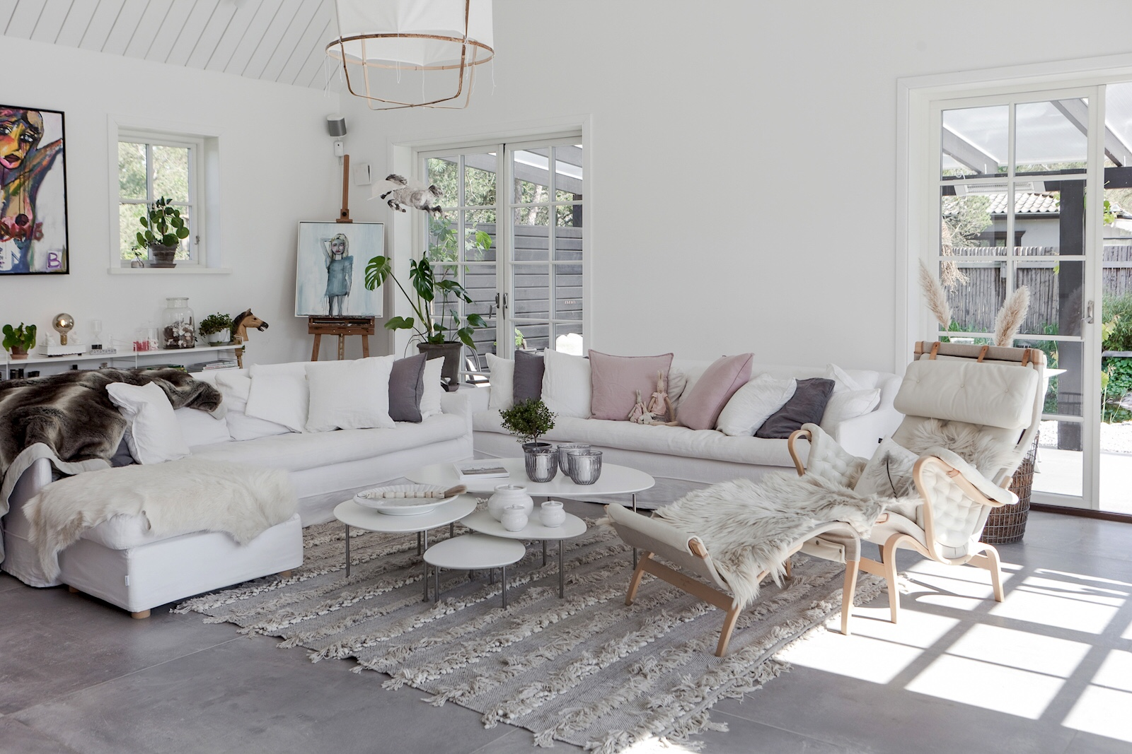 living room white sofa