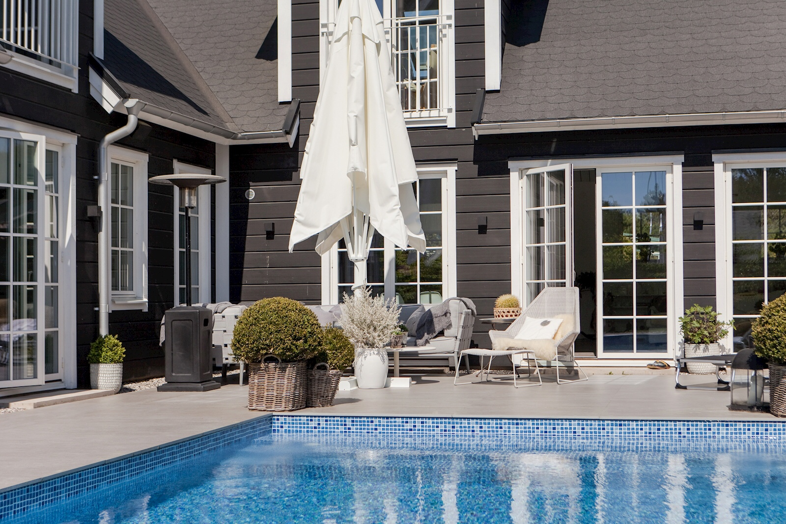 wooden house terrace pool